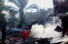 Pesawat Tempur TNI AU Jatuh di Kampar, Pilotnya Selamat Berkat Kursi Pelontar - JPNN.com
