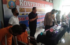 Serang Petugas Pakai Pisau, Andi Pratama Langsung Ditembak Mati, Dooor! - JPNN.com