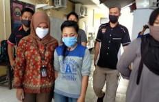 Sarnima Memang Sadis, Bunuh Anak Tiri Pakai Pulpen - JPNN.com