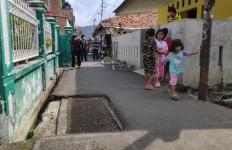 Makam Jawara Betawi di Jalan Umum, Begini Ceritanya - JPNN.com