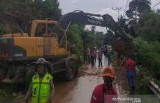 Diguyur Hujan Lima Hari, Kotabaru Dilanda Banjir dan Longsor - JPNN.com