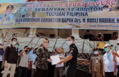 Dikawal Bea Cukai, Rusli Habibie Lepas Ekspor 12.400 Ton Jagung Gorontalo ke Filipina - JPNN.com