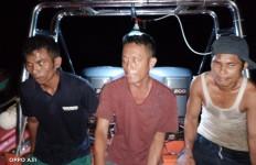 Tiga Nelayan Hilang Ini Ditemukan Selamat di Perairan Pulau Onolimbu - JPNN.com