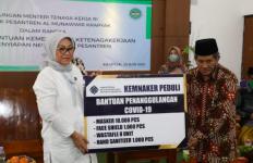 Dukung Pendidikan Pesantren, Menaker Sumbang APD Covid-19 - JPNN.com