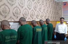 Komplotan Pembobol 9 Mesin ATM Ini Akhirnya Ditangkap, nih Total Uang yang Disita Polisi - JPNN.com