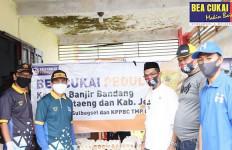 Bea Cukai Sumbang Ratusan Paket Sembako untuk Korban Banjir - JPNN.com
