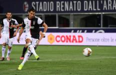 Ronaldo Cetak 2 Gol dalam Laga Bologna Vs Juventus, Tetapi Cuma 1 yang Dihitung - JPNN.com