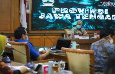Warning Pak Ganjar untuk Dinkes Jateng Segera Cairkan Insentif bagi Tenaga Kesehatan - JPNN.com