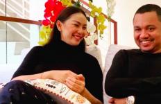 Soal Penyebab Kalina Ocktaranny dan Suami Ketiganya Cerai, Pengacara Bilang Begini - JPNN.com