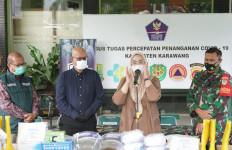 Perangi COVID-19, Sampoerna dan Yayasan Rumah Kita Sumbang Ventilator ke Pemkab Karawang - JPNN.com