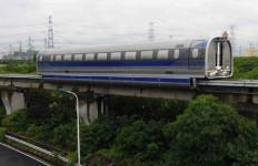 Keren, Tiongkok Sukses Uji Coba Kereta Melayang Supercepat - JPNN.com