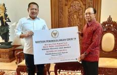 Bamsoet Bersama Gerak BS Bali Sumbangkan 5.000 Alat Rapid Test ke Gubernur Bali - JPNN.com
