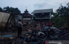 Api dari Tungku Kayu Cepat Menjalar, Seketika Para Santri Berteriak Histeris - JPNN.com