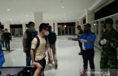 156 TKA asal Tiongkok Tiba di Bandara, Dikawal Ketat - JPNN.com