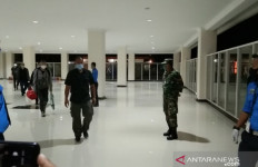 Abdurrahman Mengecek 156 TKA China di Bandara, Inilah Hasilnya - JPNN.com