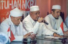Foto Habib Rizieq Dibakar, Begini Komentar Keras Ketua GNPF Yusuf Martak - JPNN.com