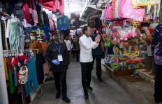 Lihat Nih, Jokowi Blusukan ke Pasar Pelayanan Publik Banyuwangi - JPNN.com