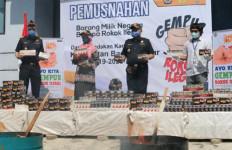 Bea Cukai Kalbagtim Musnahkan 562.804 Batang Rokok Terlarang - JPNN.com