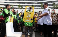 MPR RI Berikan Partisi Portabel dan Asuransi Untuk 200 Pengemudi Ojol - JPNN.com