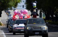 Aksi Unik Karyawan Disneyland Tolak Pembukaan Kembali di Tengah Pandemi - JPNN.com