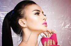 Erni Tisya Balas Dendam Masa Lalu dengan Karya - JPNN.com