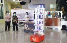 RS di Surabaya Ini Pakai Robot untuk Tangani Pasien COVID-19 - JPNN.com
