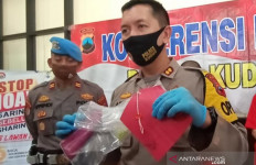 Biduan Dangdut nan Ayu Tertangkap Basah Tengah Berbuat Terlarang di Kamar - JPNN.com