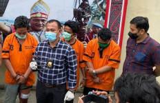 Pecatan Polisi Itu Ditembak Mati karena Serang Petugas Pakai Garpu Sampah dan Parang, Dooor! - JPNN.com