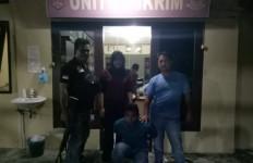 Hamidi Tepergok Berbuat Terlarang dengan Bunga di Kantor Kepala Desa - JPNN.com