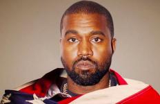 Gegara Sepatu, Kanye West Dikecam Lantaran Dianggap Lecehkan Islam - JPNN.com