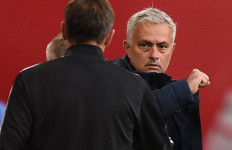 Mourinho Ingin Memeluk Pria Ini, Bahkan Rela Langgar Social Distancing - JPNN.com