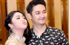 Dewi Perssik Merasa Angga Wijaya Bukan Jodohnya - JPNN.com