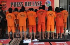 Anak 15 Tahun Melakukan Perbuatan Terlarang, FR dan SN Ikut Dijaring - JPNN.com