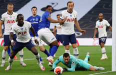 Tottenham Menang Usai Pemain Everton Bunuh Diri, Lloris dan Son Berantem - JPNN.com