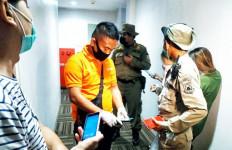 5 Pasangan Asyik di Dalam Indekos, Ada Alat Kontrasepsi, Kira-kira Ngapain? - JPNN.com