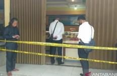 Siang Bolong, 4 Orang Datangi Toko Emas tetapi Niatnya Lain - JPNN.com