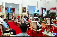 Presiden Jokowi Panas Lagi, Heran Para Menteri Seolah-Olah Ikut Cuti Kerja saat Pandemi Covid-19 - JPNN.com