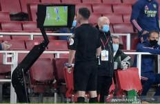 Arsenal Harus Puas Imbang Dengan Leicester Gegara Edward di Kartu Merah - JPNN.com