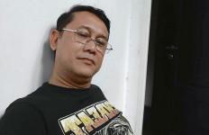 Denny Siregar: Penyerangan Rasial di Solo Kok Dikaitkan ke Jokowi Ya? - JPNN.com