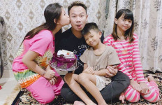 Pesan Menyentuh Vicky Prasetyo untuk Anak-anaknya - JPNN.com