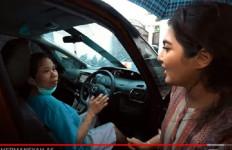 Ashanty Memberi Hadiah Mobil Mewah untuk Pembantunya, Wouw Banget! - JPNN.com