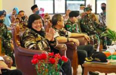Menteri Siti: Saya Bangga menjadi Anak Seorang Polisi - JPNN.com