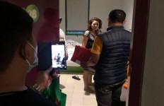 YS dan LL Digerebek di Kamar Hotel, Rambut Si Wanita Masih Terurai, Hmmm - JPNN.com