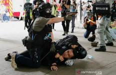 UU Represif Tiongkok Berlaku, Polisi Hong Kong Sikat Lembaga Survei - JPNN.com