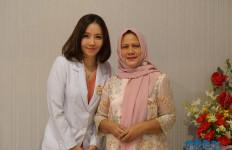 Pesan Dokter Ella Gunawan Soal Hubungan Kecantikan dan Kepercayaan Diri - JPNN.com