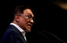 Kenangan Anwar Ibrahim soal Hari-harinya di Penjara Bersama Tafsir Al-Azhar Buya Hamka - JPNN.com
