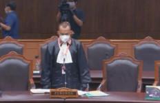 Julianta Menutupi Fakta Ki Gendeng Pamungkas Sudah Meninggal, Hakim MK Heran - JPNN.com