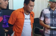 Polisi Gadungan yang Sering Beraksi di Jalan Raya Akhirnya Ditangkap, nih Tampangnya - JPNN.com