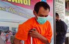 Pria Mencurigakan Ini Sering Membuntuti Perempuan yang Keluar dari Gerai ATM Sendirian - JPNN.com