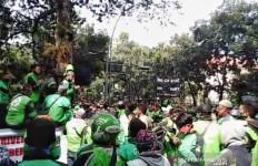 Ojol Kota Bandung: Izinkan Kami Angkut Penumpang - JPNN.com